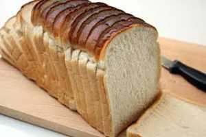 Нужно знать сколько калорий в куске хлеба