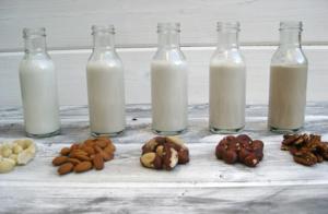 С каких орехов делается молоко