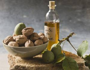 Как получают масло грецкого ореха