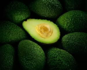 Плод авокадо и как его едят