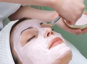 Применение маски на основе календулы для лица