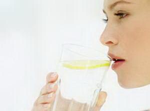 Какова польза лимонной воды для иммунитета