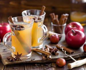 Каковы полезные свойства яблочного чая с апельсином и корицей