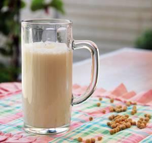Молоко из сои и польза изофлавонов