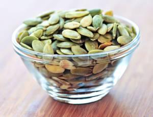 Чем полезны семена тыквы для мужчин и женщин