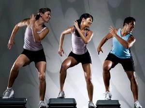 Каковы основные правила при выполнении упражнений аэробики для похудения