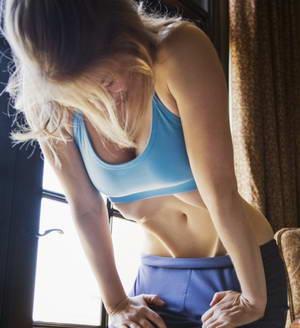 """Как делать упражнение """"Вакуум"""" для плоского живота"""