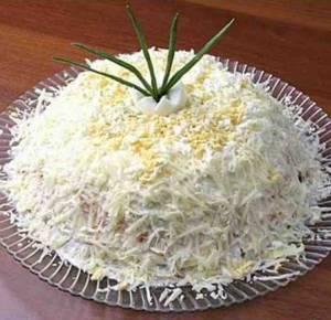 Сколько калорий в салате по-французски с сыром Ламбер