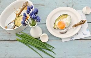 Сколько калорий в яйцах Бенедикт на авокадо