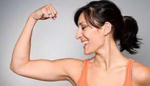 Какой комплекс эффективных упражнений для похудения рук и плеч следует выполнять