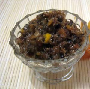 Рецепт и калорийность десерта с черносливом и медом