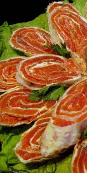Рецепт и калорийность рулетиков с красной икрой