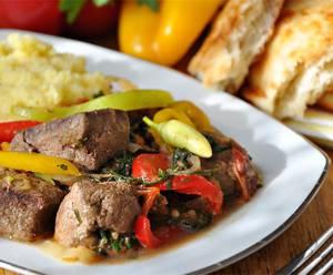 Сколько калорий в говяжьей печени с овощами