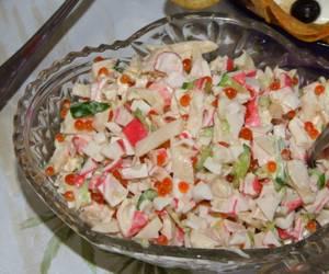Сколько калорий в салате с красной икрой и кальмарами