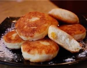 Сколько калорий в сырниках с курагой