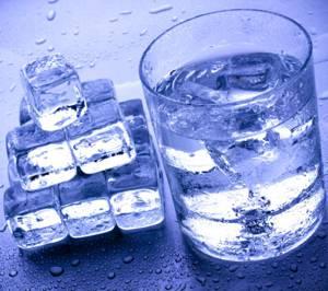 Польза и возможный вред талой воды