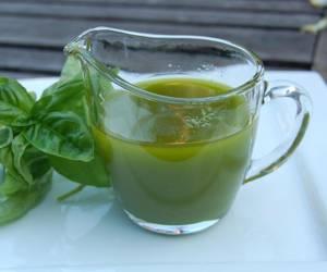 Сферы применения и лечебные свойства масла базилика
