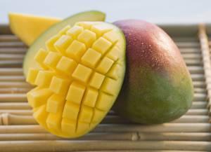 Как правильно почистить плод манго