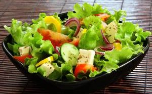 Калорийность и химический состав овощных салатов