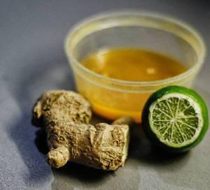 Рецепт и калорийность имбирного напитка с белым чаем и черным перцем