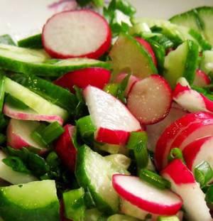 Рецепт и калорийность овощного салата с редисом
