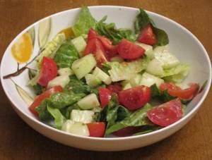 Рецепт и калорийность салата из огурцов и помидоров