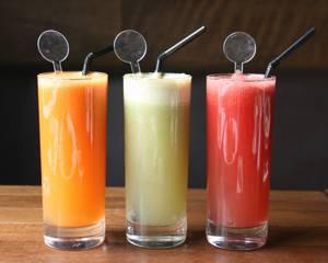 Свежевыжатые соки (фреши) и их польза и вред для похудения