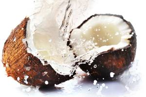 Сколько в кокосе калорий, витаминов и чем он полезен