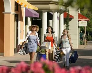 Увлеченные шопингом женщины могут незаметно для себя проходить километры и тратить сотни калорий