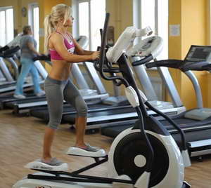 Помогают ли тренаровки на эллиптическом тренажере похудеть