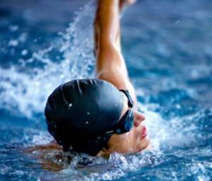Какие ошибки не нужно допускать во время плавания стилем кроль