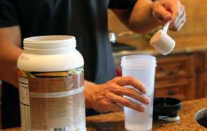 Чем можно заменить сывороточный протеин в домашних условиях