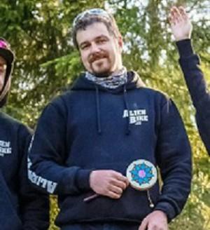 Илья принимал МКЦ АНКИР-Б для похудения 3 месяца и смог сбросить 5 кг