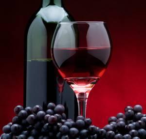 Польза и вред сухого и полусладкого красного вина для здоровья мужчины и женщины