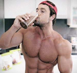 Как следует принимать протеиновый коктейль для роста мышц