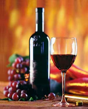 С чем пьют вино - закуски к различным красным сортам и кулинарная сочетаемость