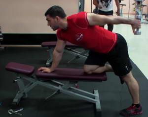 """Как следует выполнять упражнение """"Разгибание руки в наклоне"""" так, чтобы максимально задействовать трицепс"""
