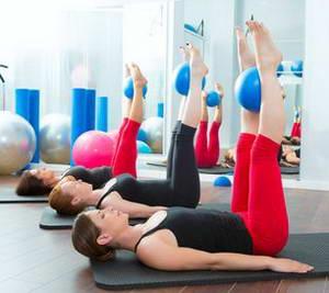 """Какие упражнения входят в комплекс """"Пилатес для начинающих в домашних условиях"""""""