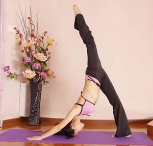 На что нужно обратить внимание во время выполнения пилатес-упражнений для начинающих в домашних условиях
