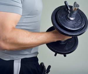 """Каковы преимущества регулярного выполнения упражнения """"Молоток"""" для бицепса"""