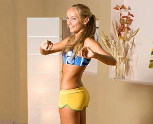 Какие упражнения входят в разминку перед тренировкой для живота и боков дома
