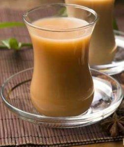Польза и вред черного и зеленого чая с молоком