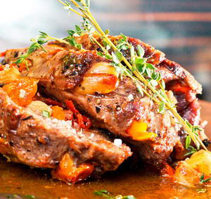 Как и с какими ингредиентами можно приготовить говядину в фольге в духовке