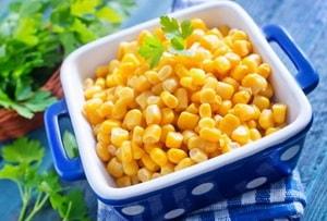 Какая кукуруза лучшая для приготовления простого салата из крабовых палочек