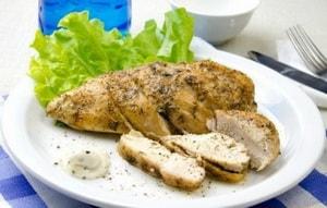 Какие ингредиенты необходимы для того, чтобы приготовить различные блюда из куриной грудки в мультиварке