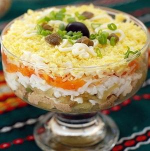 """Как приготовить салат """"Мимоза""""и какова его диетическая ценность"""