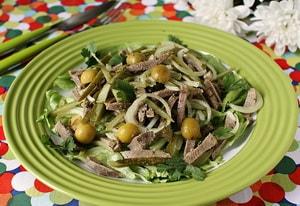 Какие еще ингредиенты могут входить в рецепт с фото самого вкусного салата из говяжьего языка