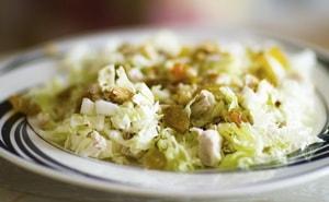 Каково диетическое применение салата из пекинской капусты и куриной грудки