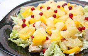 С какими ингредиентами можно приготовить салат из пекинской капусты и куриной грудки