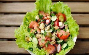 Где можно найти рецепт очень вкусного салата с мидиями с фото